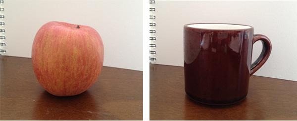 リンゴとマグカップのデッサン