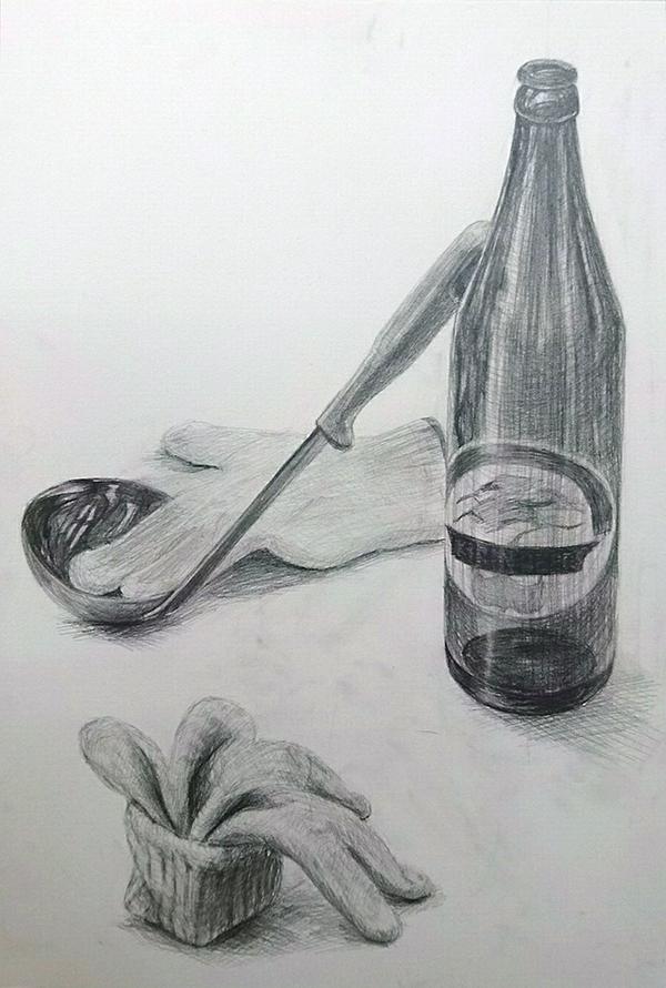 おたま・軍手・ビール瓶のデッサン