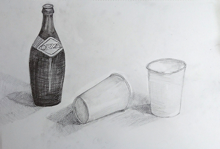 ビンと紙コップのデッサン
