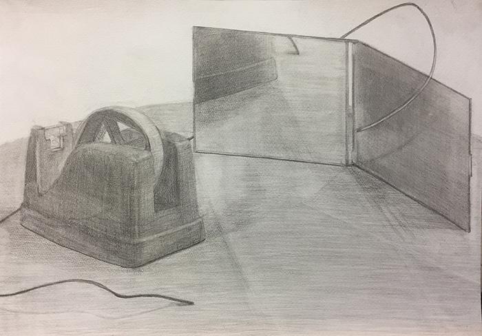 テープカッター、鏡、ワイヤーのデッサン