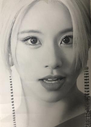 女性の顔のデッサン