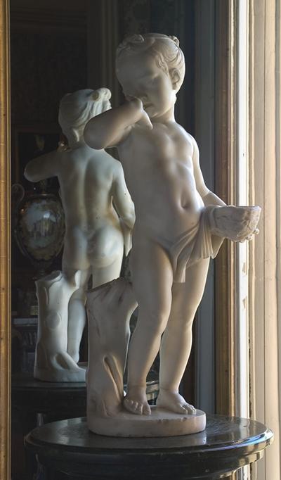 彫像のデッサン